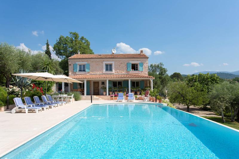 VILLA ALEXANDRA, location de vacances à Grasse
