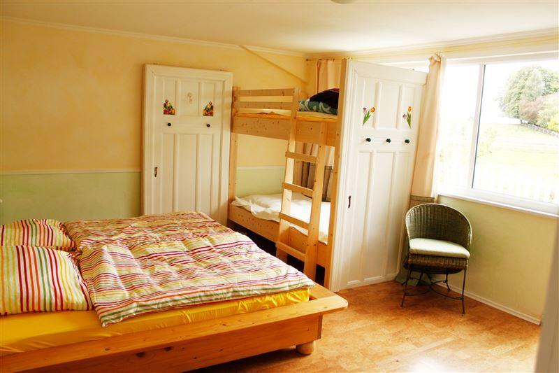 Bedroom 1 bed 200 x 200 and 2 x 100 x 200