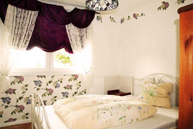 Bedroom 2 Bett140x200