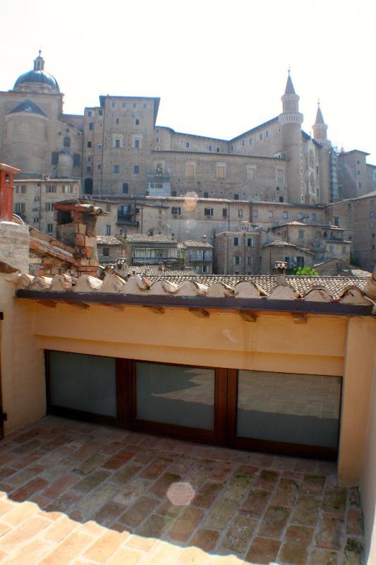 Terrazza con vista (particolare) / Terrace with a view
