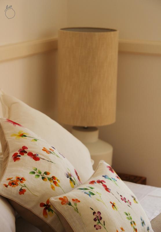 Bett und Krankenbett Tabelle Details.