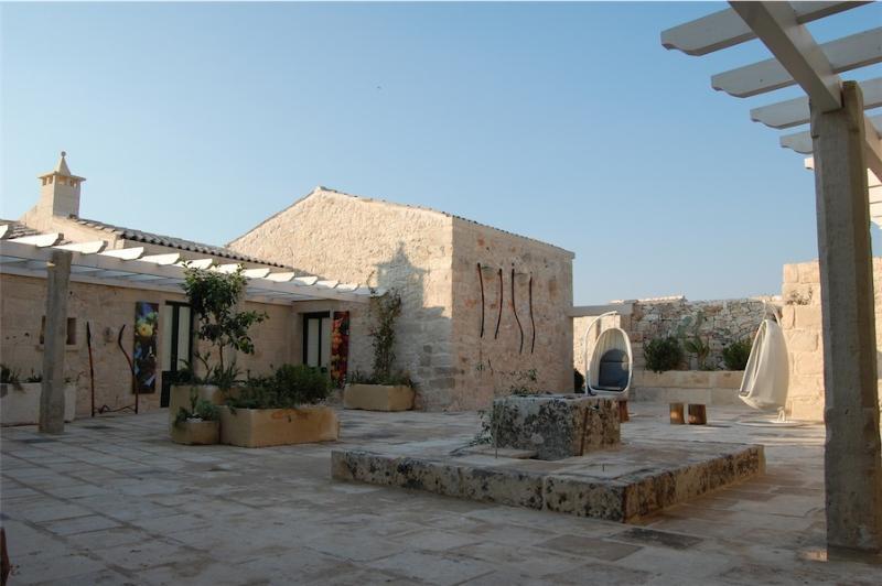 Casa Vacanza del 700,con tutti i comfort,masseria, vacation rental in Serrano