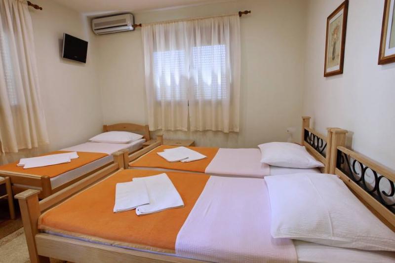 villa vienna mostar triple room, vacation rental in Mostar