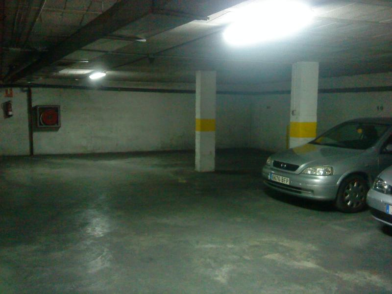 parking à 150m des appartements protegé