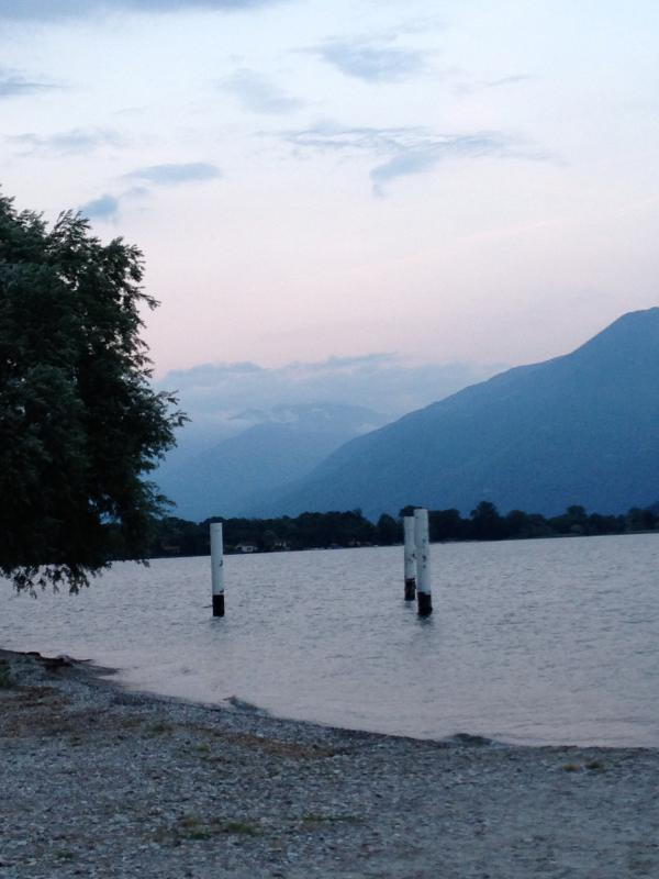 You can walk from Gera Lario to Domaso on a beautiful promenade on the lake
