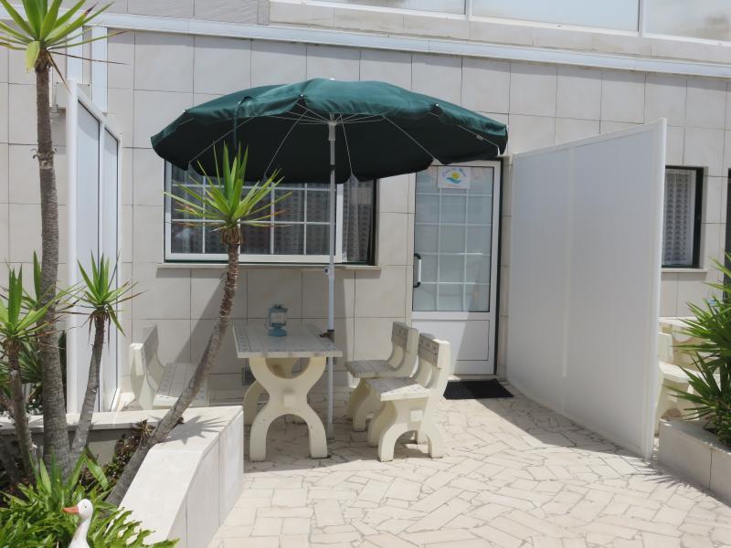 Eingang zum Appartement mit Terrasse im Innenhof