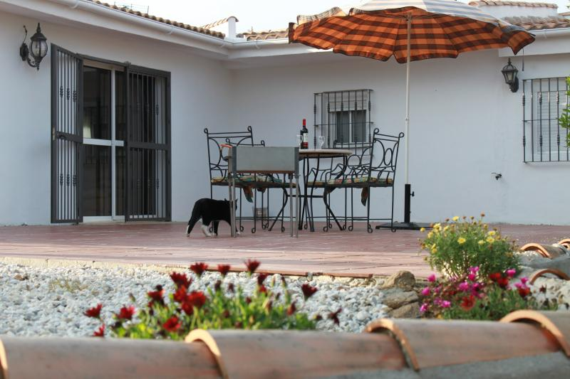 Al fresco dinning on private terrace with BBQ