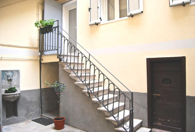 Pogri House Rive Casa Vacanze Trieste, holiday rental in Trieste