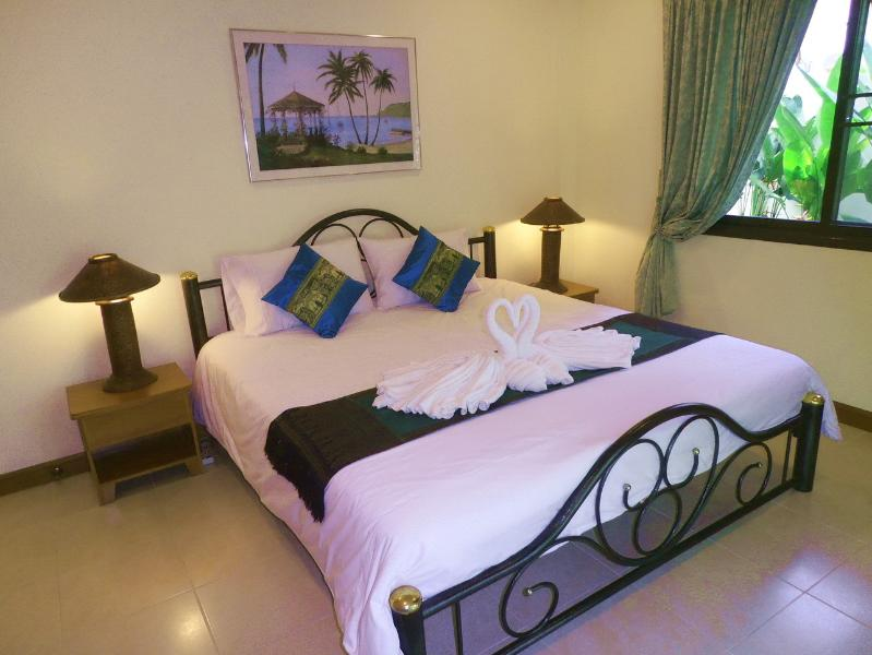 Attractive Bedroom 2 with Kingsize Bed