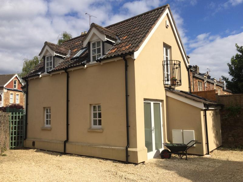 Holiday cottage in Clifton, Bristol, with parking., location de vacances à Weston-in-Gordano