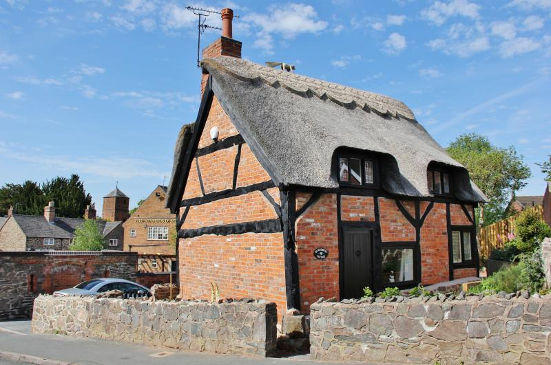 The Blacksmiths Cottage, Groby a Grade II listed thatched cottage with parking and private garden.