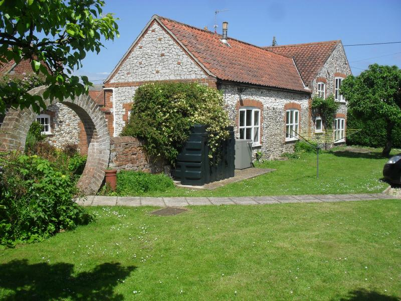 Eaton Cottage, Thornham, holiday rental in Thornham