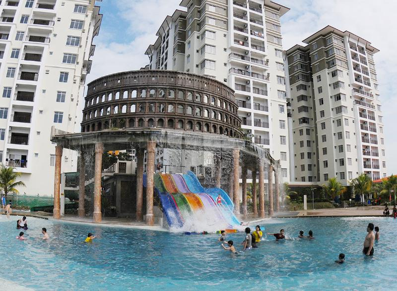Bayou Lagoon Park Resort - 3 Bedroom Apartment (Pool View), alquiler de vacaciones en Central Melaka District