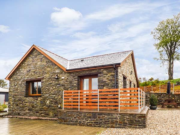Y BWTHYN family-friendly cottage, on working farm in Pontrhydfendigaid Ref, vacation rental in Devil's Bridge (Pontarfynach)