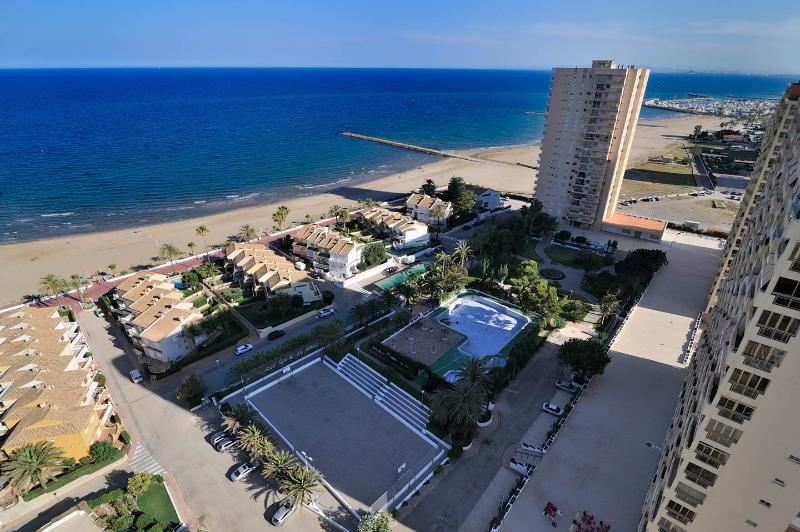 Amplio apartamento Playa Puig., location de vacances à Valence