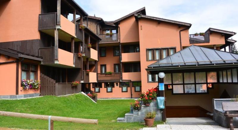 exterior residence