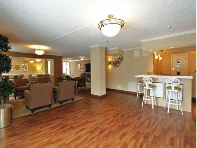 Club Room for Group Activities-open to pool deck.