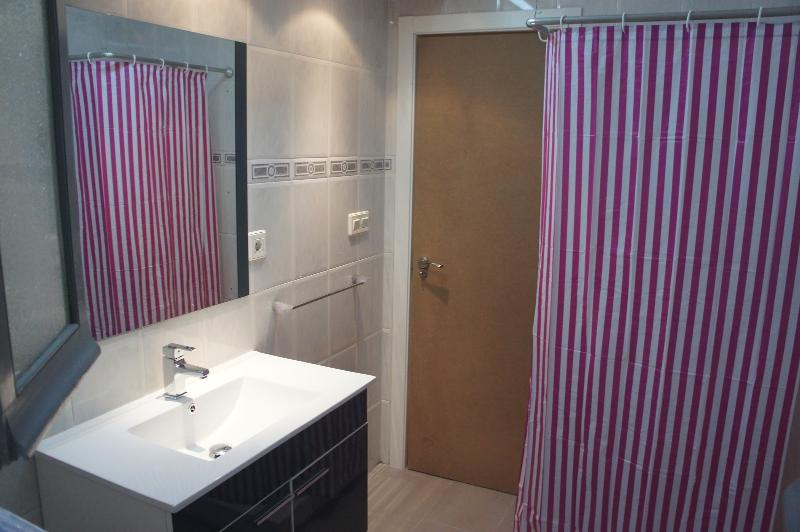 Apartamento vacaciones centro alicante aldave, aluguéis de temporada em Benimantell