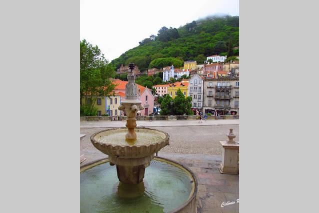 Sintra deserves an entire day to be explored. It's a UNESCO site and there's a direct train from R
