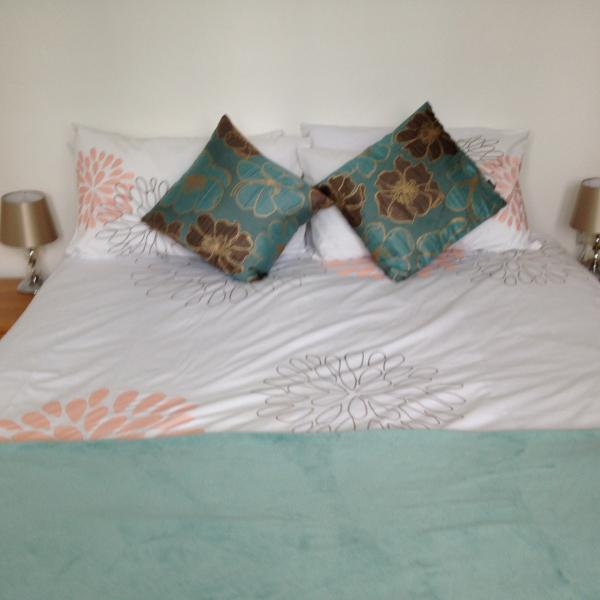 Double bedroom with plenty of space either side of the bed