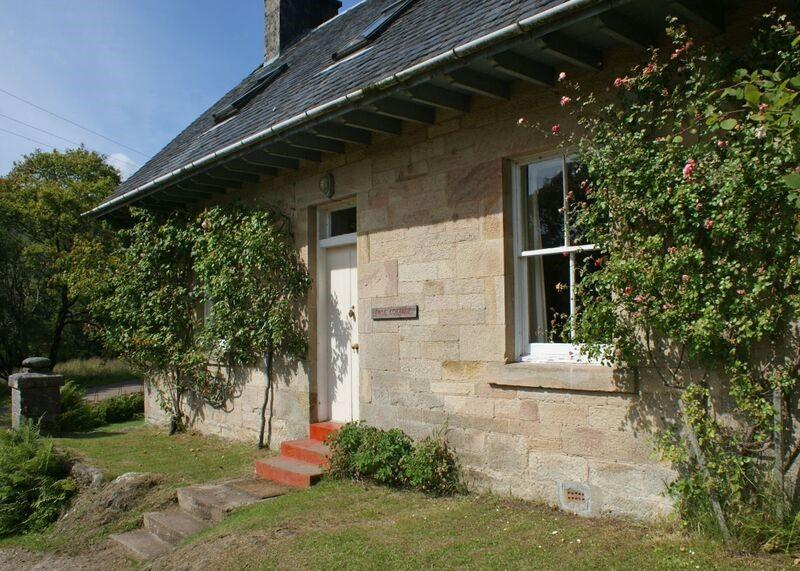 Charming Rose Cottage