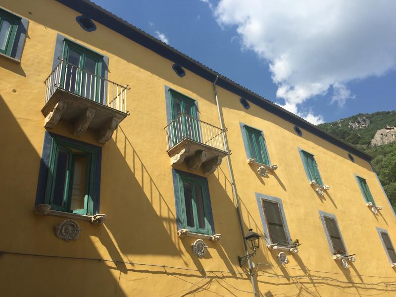 Appartamenti Palazzo Grammatico, alquiler vacacional en Marsicovetere