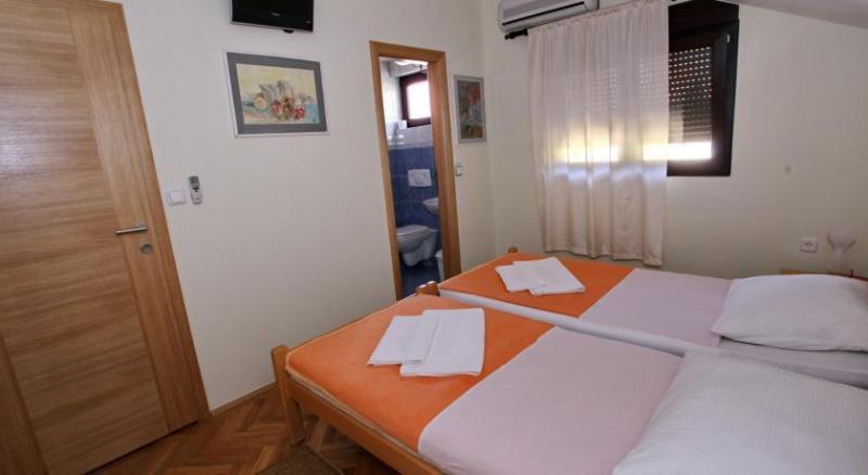 villa vienna mostar twin room, alquiler vacacional en Mostar