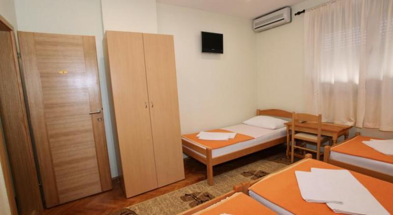 villa vienna mostar quadruple room, location de vacances à Mostar