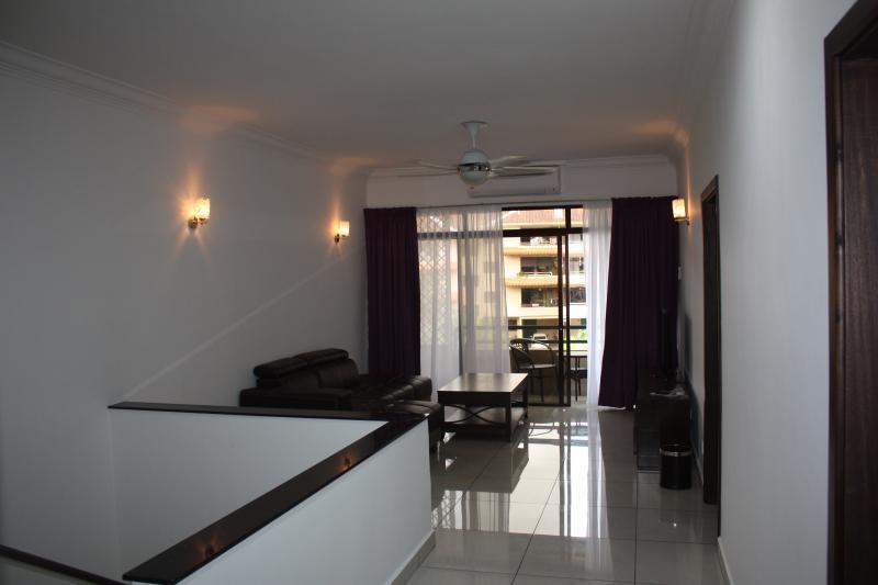 balcón y sala de estar