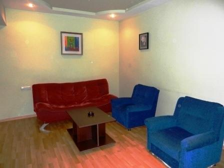 Nice Apartment Next to Republic Square, holiday rental in Yerevan