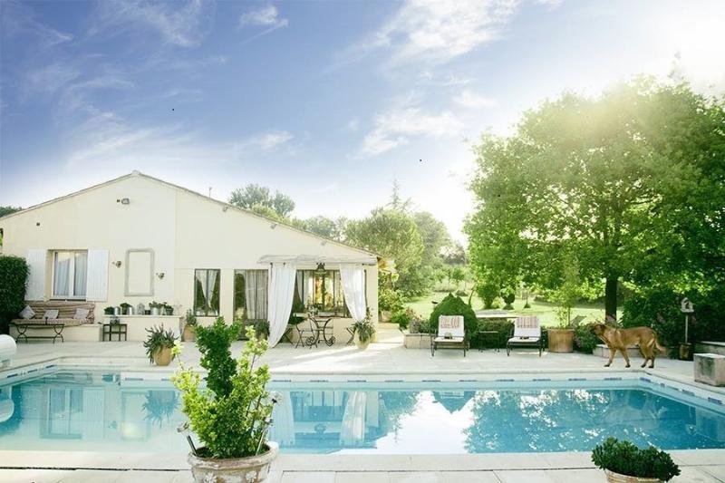 Maison de charme en Provence, holiday rental in Lagnes