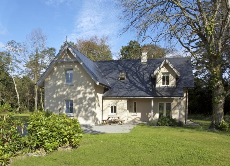 Dunkerron Woods House 12, holiday rental in Templenoe