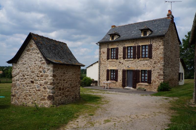 L'Aveyron en famille en toute sérénité, vacation rental in Belcastel