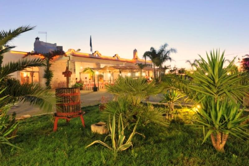 Masseria Nzeta - 5 camere, vacation rental in Carovigno