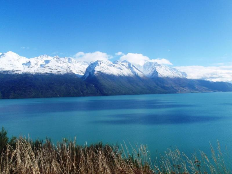 Lake Wakatipu can be seen along the picturesque drive from Queenstown to Lumsden.