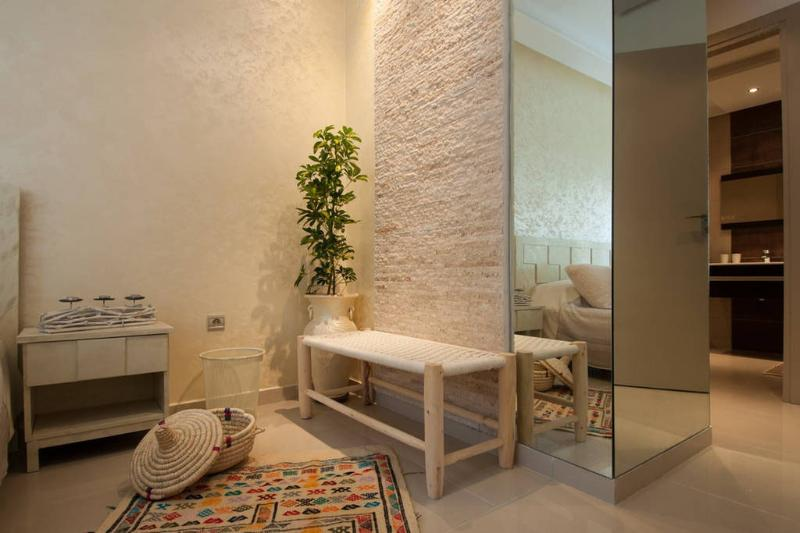 Tapis et banc faits main / Hand Made Carpet & Bench