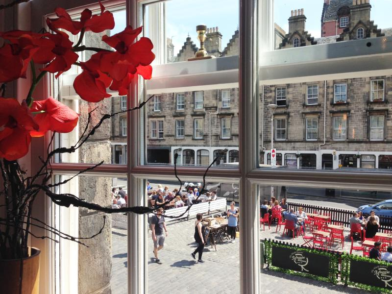 sunny, buzzing street cafes on your doorstep!!!