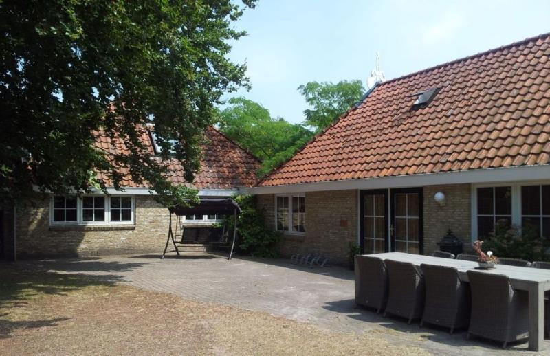 Farmhouse, 8-12 Pers, Peace & Space, holiday rental in Boijl