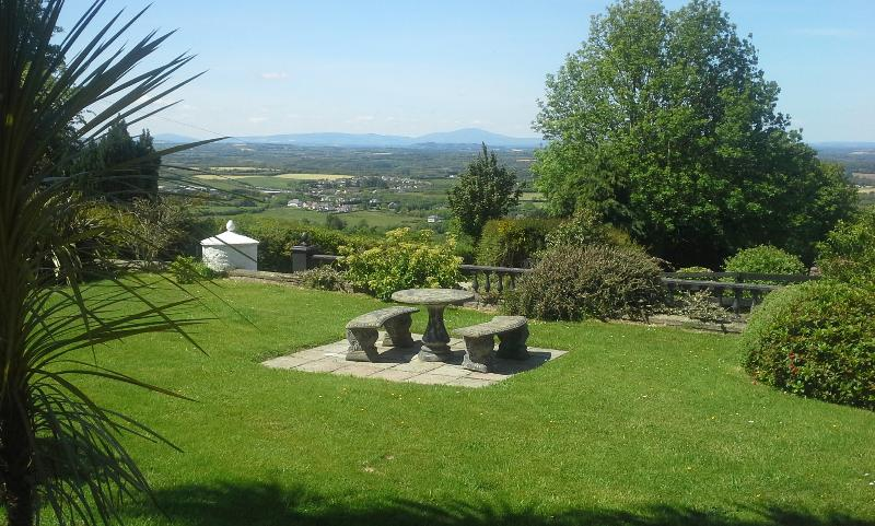 2nd seating area with views of surrounding countryside perfect for picnics