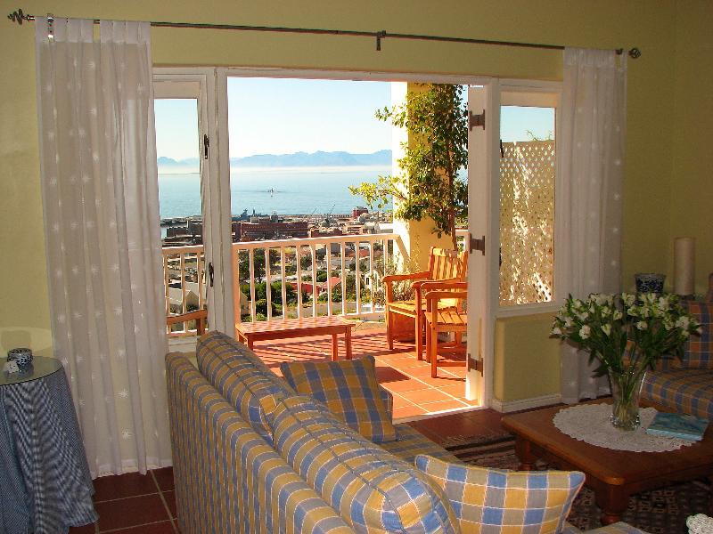 Lounge - Seaview Apartment