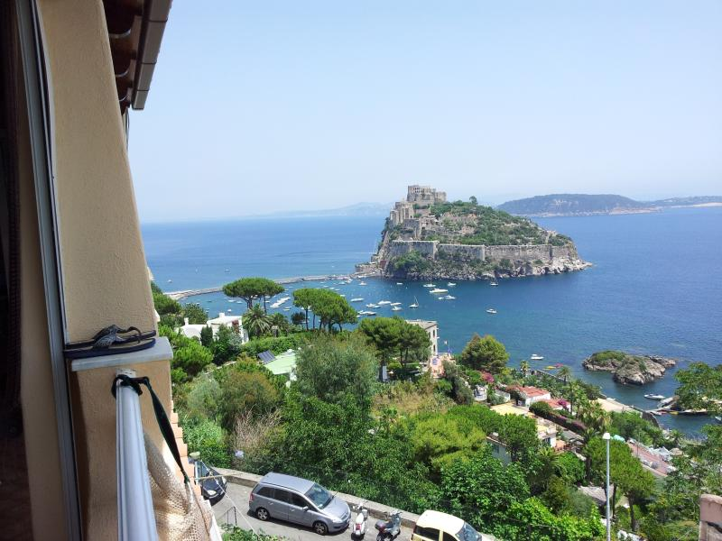 ischia ponte centro storico, casa vacanza a Isola di Ischia