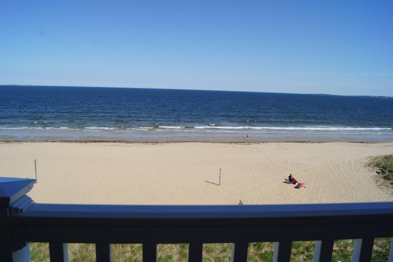 8 mile beach