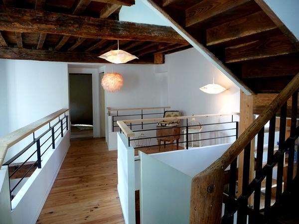 Splendide corps de ferme contemporain à la montagne, rivière, WIFI et insert., casa vacanza a Herrere