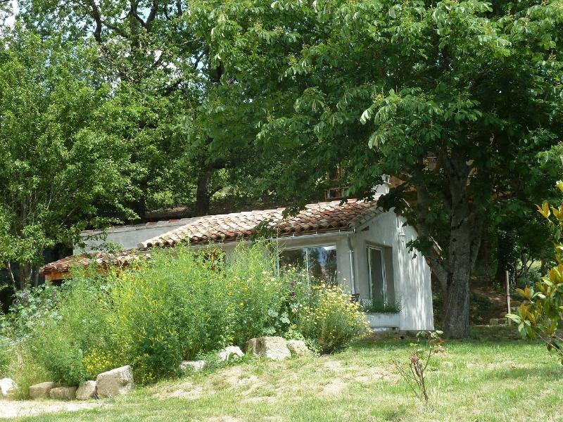 Studio 2/4 places + cabane dans les arbres, holiday rental in Saint-Arroumex