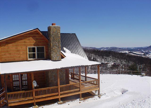 NOW BOOKING! A HEAVENLY VIEW-Mtn Views W/Hot Tub,  Gas F/P, Pets & WiFi!, location de vacances à Jefferson ouest