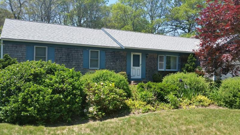 Mid-Cape Near CRAIGVILLE BEACH ! Central A/C ! 80220, holiday rental in Centerville