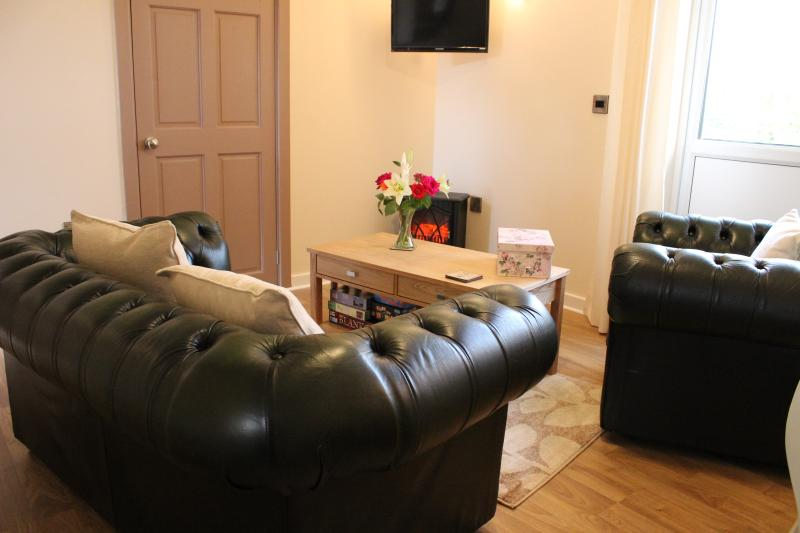 Beautiful cottage with hot tub, casa vacanza a Carmarthenshire