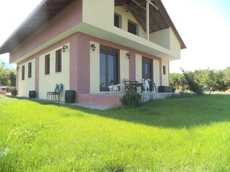 country house in olive grove with Olympus view, holiday rental in Olympiada