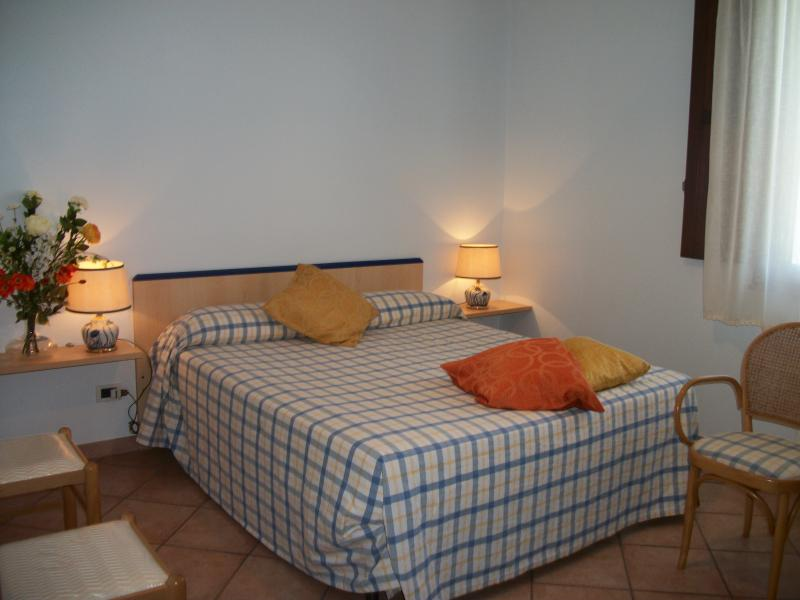 Le Poiane B&B Appartamento quadruplo, holiday rental in Santa Domenica Vittoria