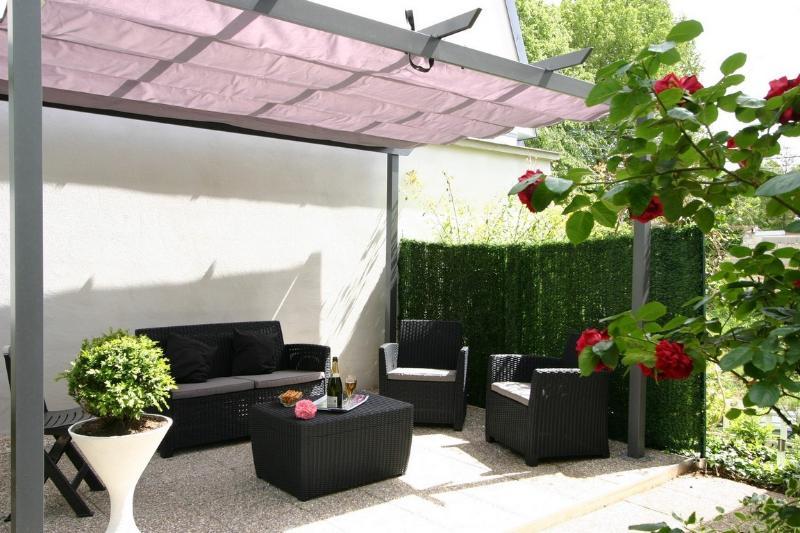 Villa Lanacelle 160m² proche centre 3chb 3sdb, location de vacances à Chigny les Roses